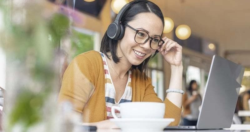 Active Noise Cancelling Headsets Cisco 700 Series Lifestyle